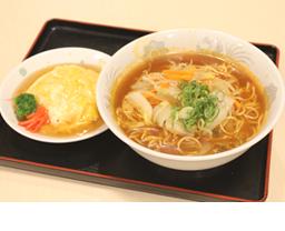 C.ピリ辛野菜ラーメン・天津飯セット