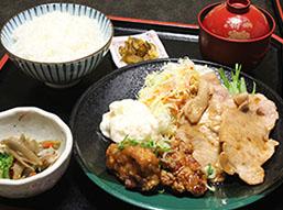 C.生姜焼きと油淋鶏