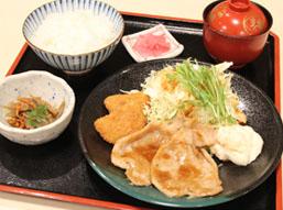 C.生姜焼き・サーモンフライセット